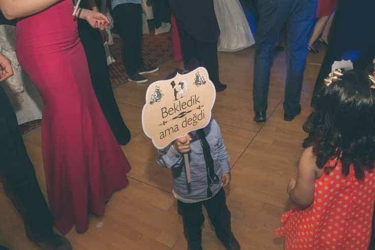 Düğün Fotoğrafı Ufak Çocuk