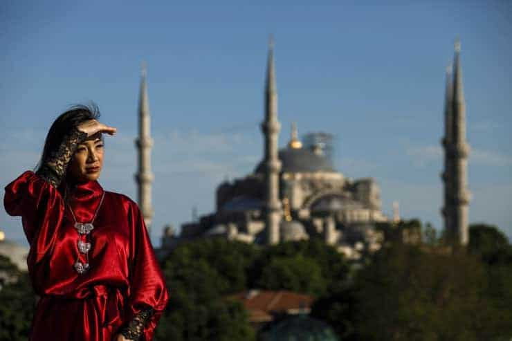 istanbul photographer with a couple from asia malaysia