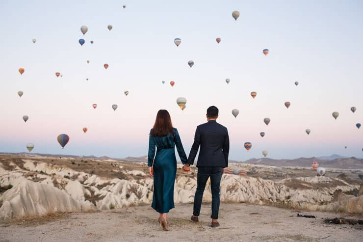 cappadocia proposal photos with balloons turkey