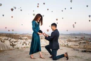 cappadocia proposal photos with balloons turkey